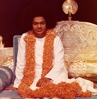 What is the best gift that we can offer to Bhagawan Baba on His 89th Birthday? Bhagawan answers this question with His choicest preference!